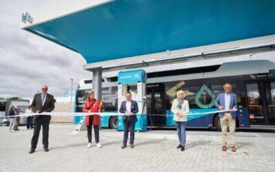 eFarm: Erste öffentliche grüne Wasserstofftankstelle im Betrieb